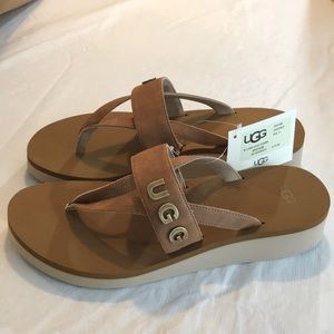 Authentic UGG sandals/thongs NWT chestnut
